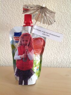 Traktatie voor afscheid peuterspeelzaal. School Treats, Fourth Birthday, Birthday Favors, Party Gifts, Kids Meals, Holiday Recipes, Birthdays, Food And Drink, Presents