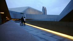 https://flic.kr/p/8uJZWd | Hadid, Zaha _ Guangzhou Opera House _ Ramp (Dusk)