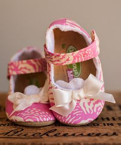 Loving this Pink & Ivory Sweet Pea Bow Mary Jane on #zulily! #zulilyfinds