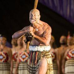 New Zealand Culture Maori Haka Dance – Global Holiday Packages We Are The World, People Of The World, Polynesian People, Polynesian Art, Ta Moko Tattoo, Maori People, Samoan Tattoo, Maori Tattoos, Tatoos