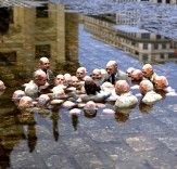 Artist Issac Cordal offers us a new perspective on these issues through his provocative series of tiny cement sculptures that challenge our views of society. Thoughtfully arranged without the need for exposition, these miniaturized scenes are often arranged as site-specific street art interventions.