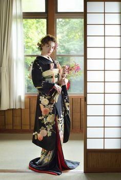 KURO-HIKIFURISODE [黒地手刺繍ぼかし菊笹] - / KIMONO - innocently [イノセントリー]