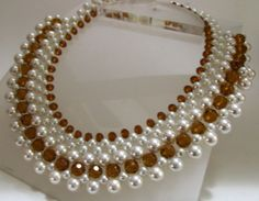 Pearl Necklace Designs, Beaded Necklace Patterns, Diy Necklace, Beaded Bracelets, Bead Jewellery, Pearl Jewelry, Wedding Jewelry, Pearl Necklaces, Artisanal