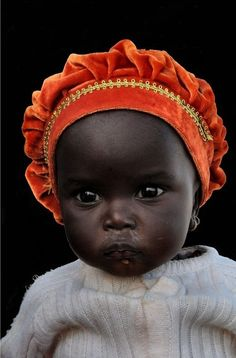 from another pinner----Fotografía de Andrea Scabini, en Mauritania. What an adorable little child ! Precious Children, Beautiful Children, Beautiful Babies, Beautiful People, Baby Kind, Baby Love, Little People, Little Ones, Cute Kids