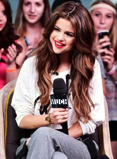 Selena gomez hair and makeup