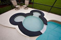 Intex Hot Tub - We Reveal Everything You Need To Know When Considering a Purchase, Including Price Range For Different Tub Types + Maintenance Requirements! Minnie Mouse House, Mickey House, Mickey Mouse Design, Mickey Minnie Mouse, Disney Mickey, Mickey Head, Disney Fun, Intex Hot Tub, Inflatable Hot Tub Reviews
