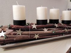 Adventsgesteck mit Zweigen / Arrangement with twigs for Advent