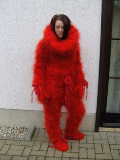 Would make a great yeti costume Fox Fur Coat, Fur Coats, Mo Hair, Extreme Knitting, Angora, Knit Pants, Catsuit, Sweater Outfits, Wool Sweaters