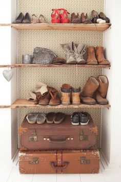 DIY Storage for mud room Scandinavian Interior, Modern Interior, Interior Design, Home And Living, Home And Family, Shoe Cupboard, Cabin Interiors, Diy Storage, Storage Ideas