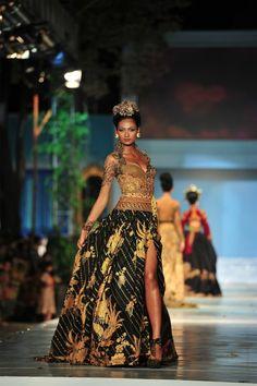 Love the color Batik Kebaya, Kebaya Dress, Batik Dress, Indonesian Kebaya, Modern Kebaya, Brokat, Traditional Dresses, Formal Dresses, Wedding Dresses