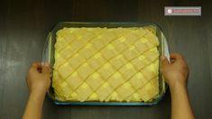 O bunătate cum rar întâlnești - prăjitură cu măr și budincă de vanilie! - savuros.info Lunch Box, Desert Rose, Bonsai, Natural, Projects, Bento Box, Bonsai Plants, Nature, Au Natural