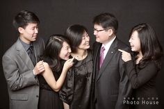 Photo House Photography   good for family protraits later...
