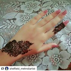 #follow us @hennafamily #hennafamily  #Repost @sheffield_mehndiartist  Unknown artist. Tag if you know.  Dm or Whatsapp me for booking  thanks .. #fingers #fingerpattern         #naturalhenna  #bodyart #Sheffield  #mehndi #henna #hennadesign #hennaartist #artist #inspiration  #hennaart  #hennapictures  #SheffieldMehndi #sheffield_mehndiartist #SheffieldMehndiartist  #mehndidesign  #hennalove  #sheffieldhennaartist #stain #hennastain #instagram #instashot #instapic  #fashion…