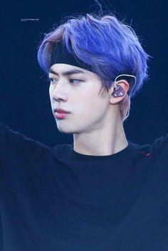 J: hello my name is jin I'm worldwide handsome :). Bts Jin, Jin Kim, Seokjin, Hoseok, Foto Bts, Bts Photo, Kpop, Bts Pictures, Photos