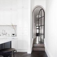 Modern Home Decor Interior Design Contemporary Kitchen Design, Modern Interior Design, Arch Interior, Interior Decorating, Interior Paint, Kitchen Interior, Dark Timber Flooring, Steel Doors, Steel Windows