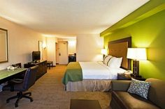 Compare and Choose - Holiday Inn & Suites Main Gate to Universal Orlando