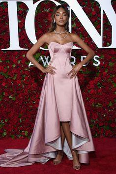 Самые красивые платья церемонии вручения наград театральной премии Tony 2016   Мода   Выход в свет   VOGUE