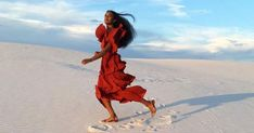 Solange, who turned 30 on Friday, June celebrated her birthday with a trip and photo shoot in San Patricio, NM — see the pics Shakira, White Sands New Mexico, Editorial, Tropical, Solange Knowles, Vacation Style, Celebrity Dresses, Boho, Fashion Shoot