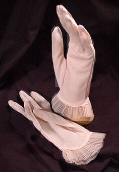 50's Pink Gloves with Sheer Pleated Ruffles sz 8