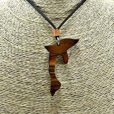 Colgante Delfin de madera de Cocobolo. de capreolusartesania en Etsy