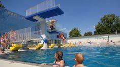 Allwetterbad Walsum. Mehr auf: http://www.coolibri.de/staedte/duisburg/sport/schwimmen-in-duisburg/allwetterbad-walsum.html