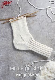 Learn to knit rag socks Learn to knit rag socksFrom Norwegian Dorthe Skappel's new knit book 'Easy knit on big sticks' we bring here the recipe for 'Dorthetrö. Bobble Stitch, Purl Stitch, Chain Stitch, Slip Stitch, Crochet Slippers, Knit Crochet, Crochet Pattern, Lace Patterns, Knitting Patterns