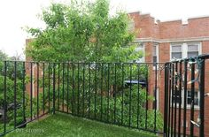 1651 W Pratt Blvd #3B, Chicago, IL 2 br 1 ba, 1,000 sq ft  $157,500 +  $260 HOA