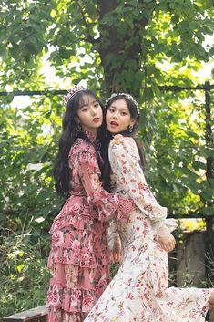 Gfriend-SinB & Umji 2019 Season's Greetings Behind