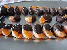 Gajos de mandarina con chocolate condimentado