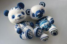 https://flic.kr/p/e6REFC | felted bears in the Russian style
