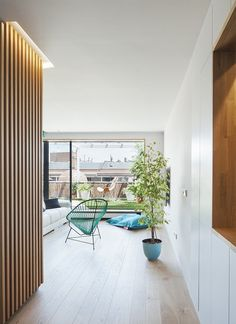 Tagged: Hallway and Light Hardwood Floor. Photo 13 of 17 in 8 Best Dwell Penthouses