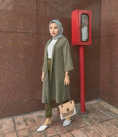 Inspirasi ootd by D… – Hijab Fashion 2020 Casual Hijab Outfit, Ootd Hijab, Hijab Chic, Cardigan Outfits, Cardigan Fashion, K Fashion, Hijab Fashion, Fashion 2020, Hijab Office