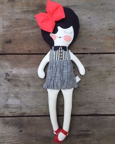 #piggyhatespanda #etsy #dolls #ragdolls #clothdolls #stuffed #santacruz #plush #girldolls #pretty #sewing #pink #cute #maker #handmade #handmadedolls#redbow#etsyseller