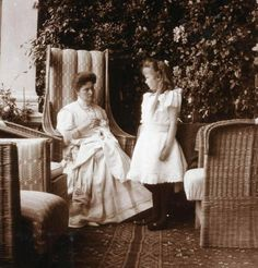 Tsarina Alexandra of Russia and her daughter Grand Duchess Anastasia Nikolaevna of Russia in about 1908