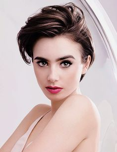 lily collins Always remember that you are aging every moment. You can never get that young skin back. But you can restore the beauty you still have in you. So, no matter how busy you are, Cheveux De Lily Collins, Lily Collins Hair, Lilly Collins Short Hair, Art Visage, Beauty Advice, Beautiful Eyes, Beautiful Actresses, New Hair, Hair Inspiration