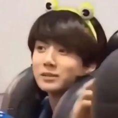 baby koo koo so cute ❤❤❤❤❤❤❤❤❤❤❤❤❤❤❤❤❤❤❤. Kookie Bts, Bts Taehyung, Bts Bangtan Boy, Jung Kook, K Pop, Kpop Gifs, Kpop Memes, Foto Bts, Shop Bts