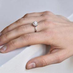 Opálový stříbrný prsten