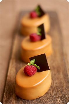 Bergamote - a citrus and caramel mousse cake. the picture looks yummy so i'll give it a shot French Desserts, Köstliche Desserts, Plated Desserts, Dessert Recipes, Japanese Desserts, Mini Cakes, Cupcake Cakes, Cupcakes, Patisserie Fine