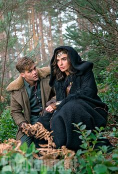Chris Pine and Gal Gadot on set. (Photo: Entertainment Weekly)