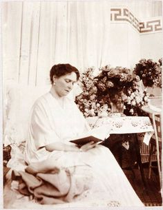 Alexandra reading on her chaise in the mauve boudoir My Past Life, Royal King, Alexandra Feodorovna, After Marriage, Tsar Nicholas Ii, The Empress, Imperial Russia, Royal Jewelry, Beautiful Family