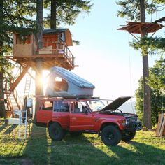 Our friend and frequent contributor, Foster Huntington, lives in a very special place in Skamania County, Washington called The Cinder Cone. Built with friends, the property features several. Toyota 4x4, Toyota Trucks, Van Life, Foster Huntington, Cool Tree Houses, Tiny Houses, Road Trip, Construction, Truck Camper