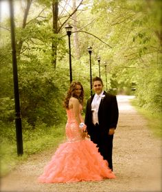 Beautiful prom picture I took in the park.