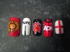 manchester united nails for kat. :)
