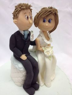 Cute Bride & Groom figures for a wedding cake topper using our Face Mould  http://www.karendaviescakes.co.uk/Moulds/?p=111%2F_Head