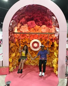 The booth at has oversize paper flowers and fun photo ops. Stage Design, Event Design, Instalation Art, Photo Zone, Experiential Marketing, Exhibition Booth Design, Paul Frank, Interactive Installation, Environmental Design