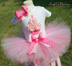 Baby Girls Birthday Outfit - Pretty in Pink Cupcake Onesie, Tutu and Matching Headband - Light Pink, Bubblegum Pink and Hot Pink via Etsy Baby Girl Birthday Outfit, Girl Birthday Themes, Baby Girl First Birthday, Bday Girl, First Birthday Outfits, Birthday Dresses, Baby Boy Outfits, 3rd Birthday, First Birthday Cupcakes