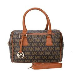 Come to here to buy the Grayson, we offer the best quality and the cheapest price for you! You can take the Grayson to your friends surprise! Mk Handbags, Handbags On Sale, Handbags Michael Kors, Fashion Handbags, Purses And Handbags, Fashion Bags, Luxury Bags, Luxury Handbags, Logo Signature