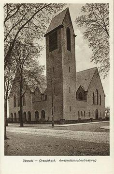 Gezicht op de Oranjekerk (Amsterdamsestraatweg 441 A) te Zuilen.ca 1920