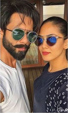 Selfie Alert: Shahid Kapoor and Mira Rajput look cool in this picture Bollywood Female Actors, Bollywood Couples, Bollywood Celebrities, Buy Sunglasses Online, Mens Sunglasses, Actress Eva Green, Bollywood Hairstyles, Mira Rajput, Bollywood Images
