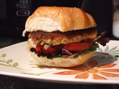 Are you looking for a recipe for non-meat hamburgers? Let Lynn Smythe of the Creative Cottage show you how-to make vegetarian quinoa burgers.